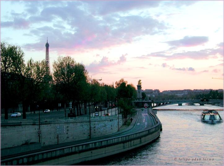 Seine & Eiffel Tower, circa 2002 - © Felipe Adan Lerma