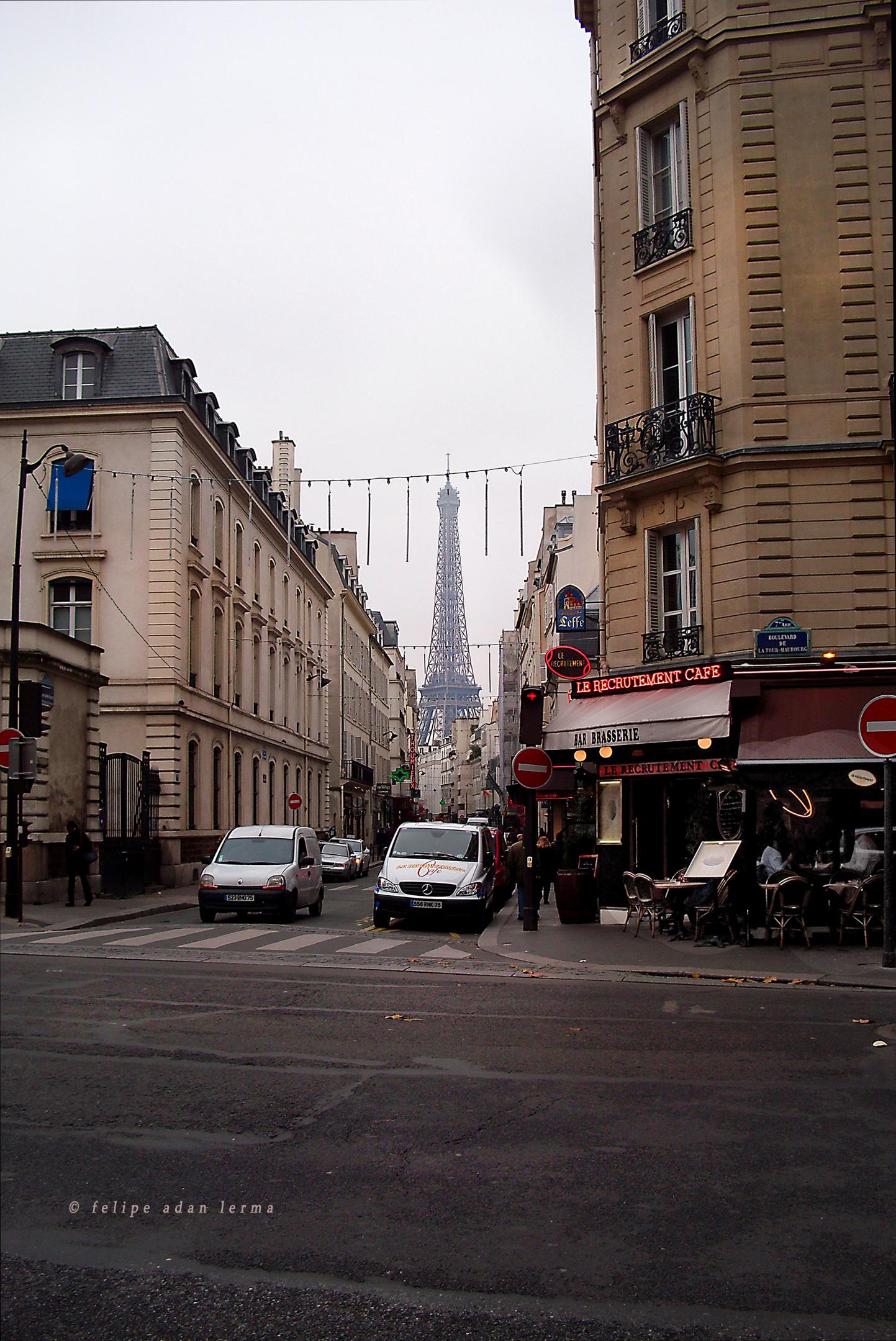 Eiffel Tower, Street View, Blvd de la Tour-Maubourg and Rue Saint-Dominique