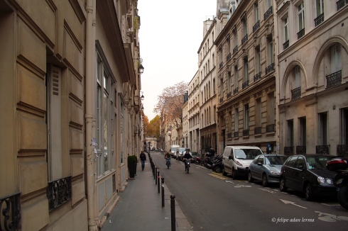 Small Street, Paris