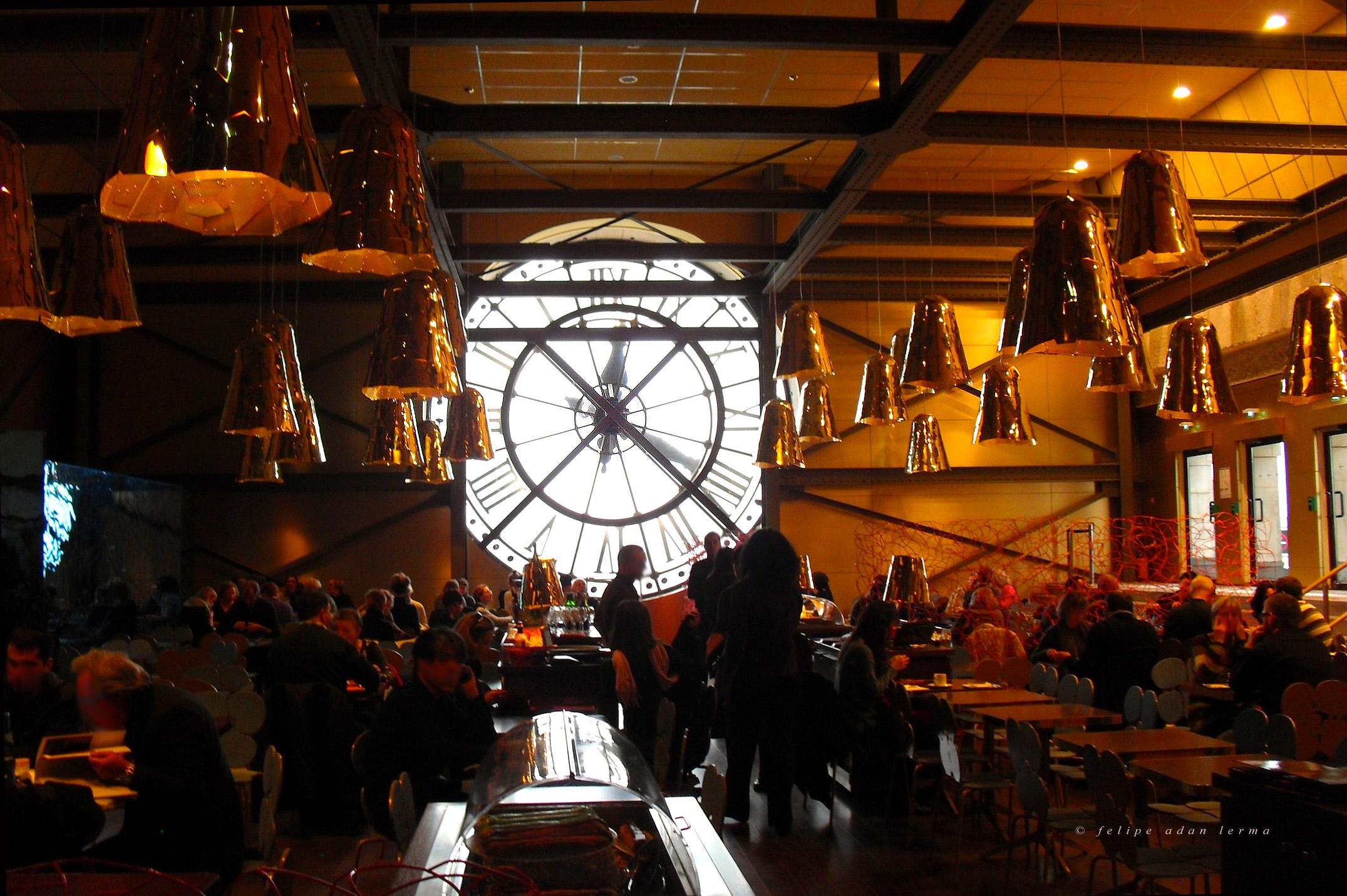 Cafe and Horloge du Musée d'Orsay v1