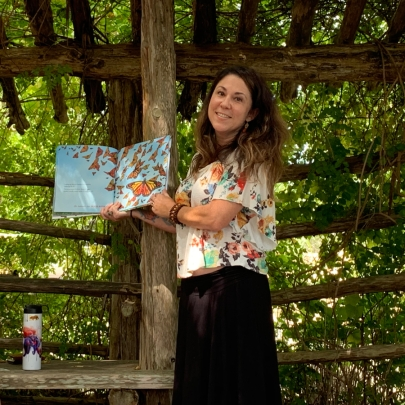 Tania at Wildflower Center - https://felipeadanlerma.com/2019/07/22/fun-reading-of-skydancer-by-tania-marie-degregorio-at-lady-bird-johnson-wildflower-center-austin-😊/