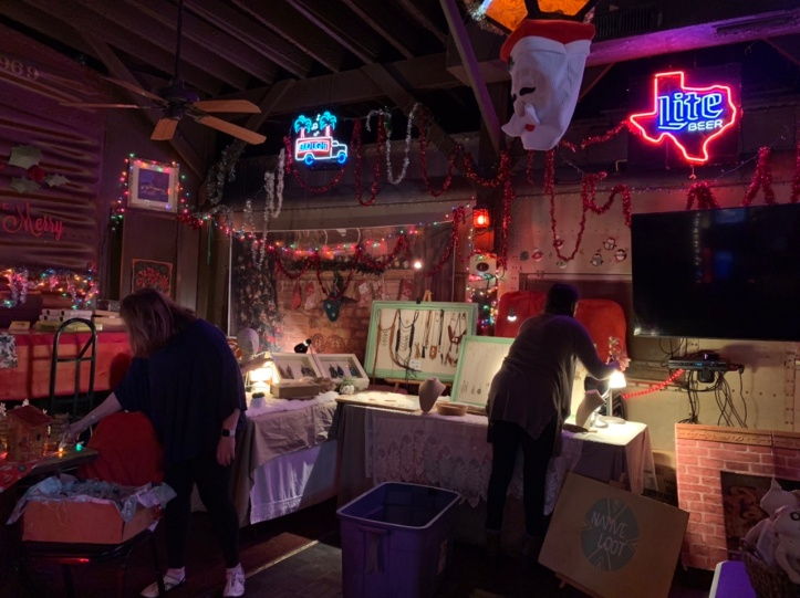 Donn's Depot 6th Annual Christmas Bazaar 2019 Austin Texas setting up
